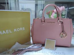light pink michael kors handbag i love the color of this purse maybe one day i will have one