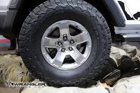 mopar beadlock wheels la auto show bright white jl wrangler sport with mopar parts