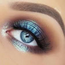 gorgeous blue metallic eyeshadow look the blue metallic colour