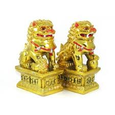 fu dogs golden feng shui fu dogs for protection foo dogs temple lion