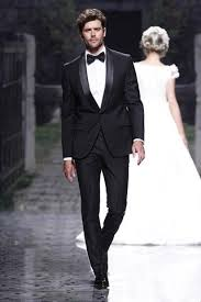 wedding grooms attire best 25 groom tuxedo ideas on tuxedos black tuxedo