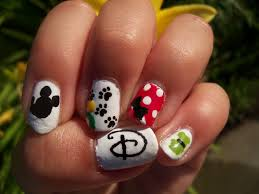 disney nail art from thumb to pinky d mickey pluto minnie