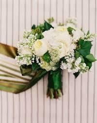 white bouquet 43 timelessly white wedding bouquets happywedd
