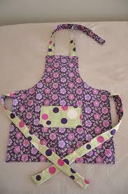 tablier cuisine pour enfant patron tablier de cuisine pour fille idée de modèle de cuisine