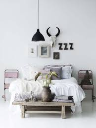 33 ultra cozy bedroom decorating ideas for winter warmth cozy bedroom decorating ideas for winter 14 1 kindesign