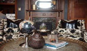 Incredible Leather Settee Sofa Better Housekeeper Blog All Things Redecorating Your Home These Are The Absolute Best Places To Shop