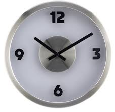 using oversized wall clocks to decorate your home design inch