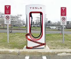 Connecticut travel charger images Tesla powers up at connecticut post mall opens 14 charging jpg