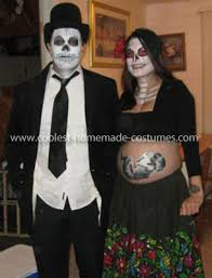 10 awesome halloween costumes for pregnant couples babyprepping com