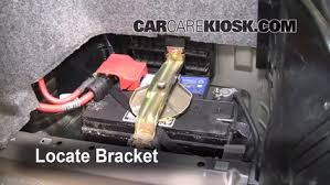 bmw 520i battery location battery replacement 1999 2006 bmw 325i 2002 bmw 325i 2 5l 6 cyl