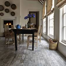 Laminate And Vinyl Flooring The Differences Between Laminate And Vinyl Flooring Carpetright