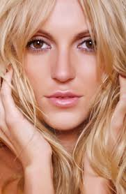makeup look perfect and natural youne