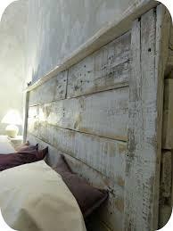 lit avec des palettes tête de lit palette1 décoration home pinterest tete de