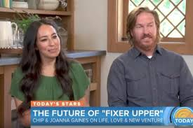 fixer upper u0027 stars chip and joanna gaines laugh off divorce rumors
