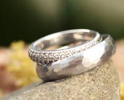 ethical wedding bands ethical wedding rings from brilliant earth the