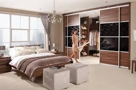 Walk In Closet Designs For A Master Bedroom 33 Walk In Closet Design Ideas To Find Solace In Master Bedroom
