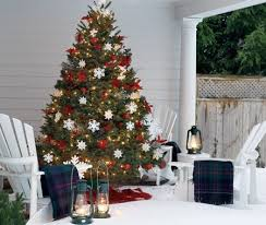 christmas tree with white lights and red bows put a christmas tree on the porch inside prepare 15 weliketheworld com