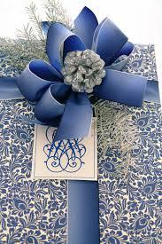 white blue ribbon it s a wrap blue and white carolyne roehm it s a wrap