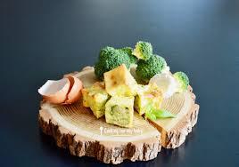 cuisiner le brocolis frais recette de mini flan pour bébé au brocoli chèvre et basilic dès