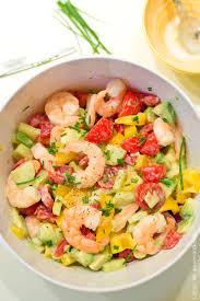 cuisiner crevette salade d été tomates avocats et crevettes