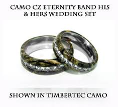 camo wedding rings his and hers camo his hers wedding ring set