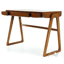 bureau en bois design bureau bois marron fonce en design related post pas bureaucracy