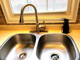 moen camerist kitchen faucet dbd9f3318db3 1000 moen kitchen faucets camerist amazing brantford