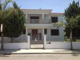 four bedroom house plus maids room in latsia for rent