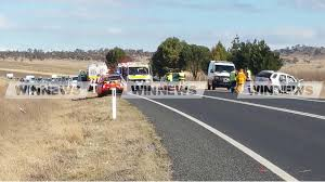 update serious crash three people were win news canberra