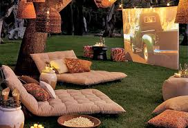 how to throw a backyard movie date night