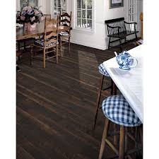 Laminate Flooring At Lowes 1 Sq Ft Shop Style Selections 7 59 In W X 4 23 Ft L Saddle Pine