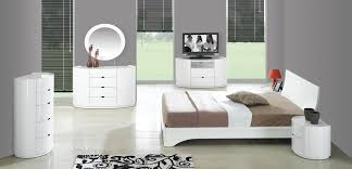 Chanelle Elegance White High Gloss Bedroom Set GCLLORNABEDROOM - White high gloss bedroom furniture set