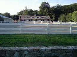 The Feed Barn Brewster Ny Horse Boarding Farms In Brewster Ny Horse Stables Horse Ranches