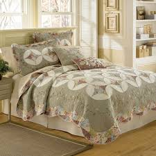 Bed Bath And Beyond Larkspur 82 Best Quilted Bedding Images On Pinterest Log Cabin Quilts