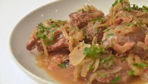 cuisiner la joue de porc recette joue de porc à la bière braisée en vidéo