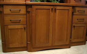 Kitchen Cabinet Door Closers by Modren Oak Shaker Cabinet Doors Closer Look At The Quaint Cabinets