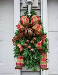 christmas swags for outdoor lights faux christmas tree re purposed three ways diy clip on christmas