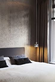 nosgusta nosinspira simple and elegant bedroom silver wallpaper