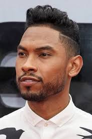 hairstyles for foreheads that stick out on a woman 20 best men s haircuts for a big forehead and a round face atoz