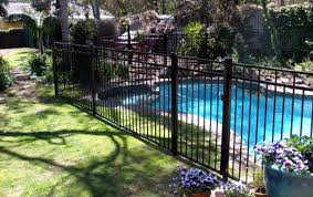 what is the best type of swimming pool fence
