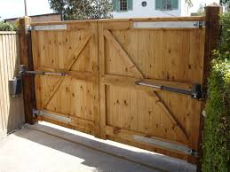 Best  Driveway Gate Ideas On Pinterest Gate Ideas Wood Fence - Backyard gate designs