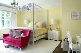 Light Yellow Bedroom Walls Light Yellow Walls Bedroom Yellow Walls Bedroom Photo 1 Pale
