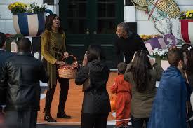 barack obama met teeny superman on halloween and it was adorable