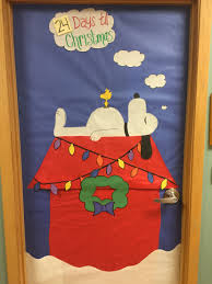 charlie brown door decoration peanut snoopy ideas cute funny