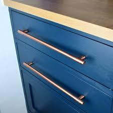 quincaillerie pour cuisine poignees meuble poignace de traction t cuivre grandes tailles