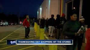 shoppers out hours after dinner for thanksgiving deals tmj4