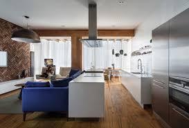 cuisine plancher bois decoration revêtement mural brique plancher bois massif meubles