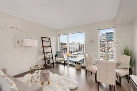 1 Bedroom Apartments Seattle by High End 1 Br Apartment In Seattle Icon Vrbo