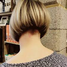 layered buzzed bob hair this is a great short bob just below the ear lobes not to high