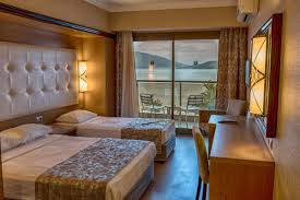 Bedroom Side View by Rooms Paşa Beach Otel Marmaris